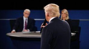 Moderators Anderson Cooper of CNN and Martha Raddatz