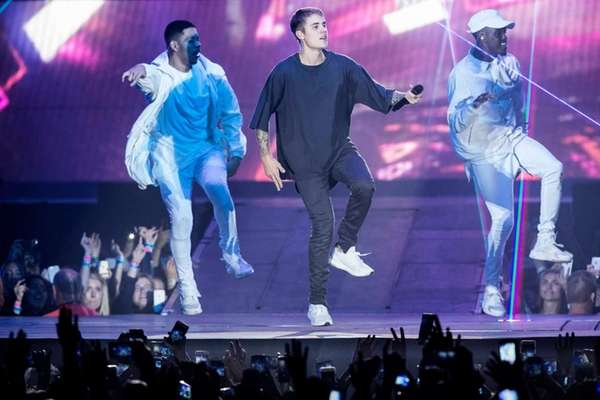 Justin Bieber Ariana Grande Headlining Z100 S Jingle Ball 2016 At Madison Square Garden Newsday