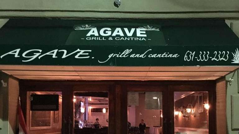 Serving Mexican food from the Puebla region, Agave