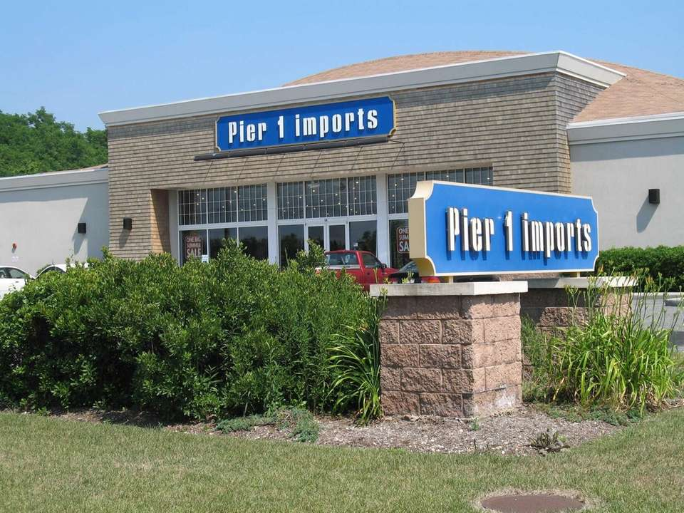 A Pier 1 Imports on Route 27 in