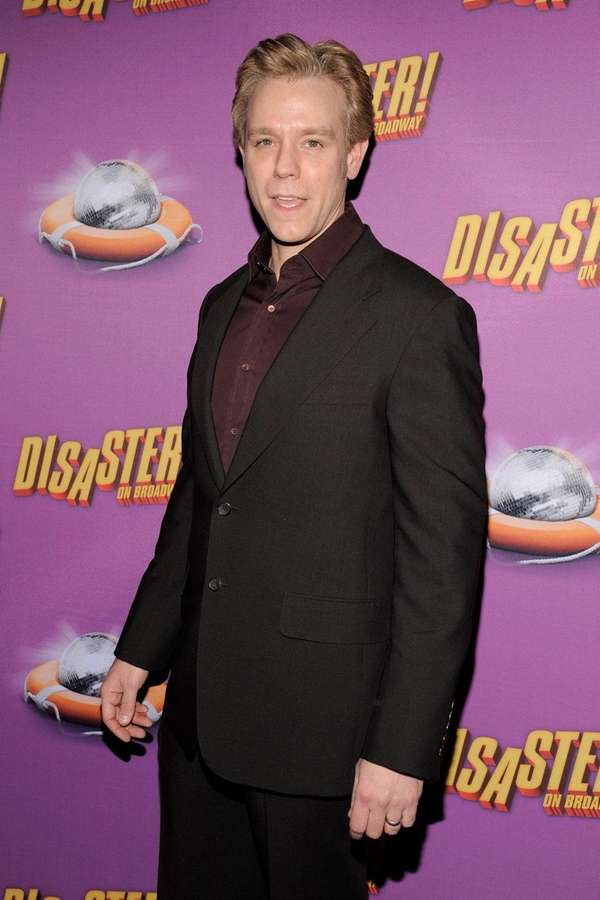 Adam Pascal will play William Shakespeare in the