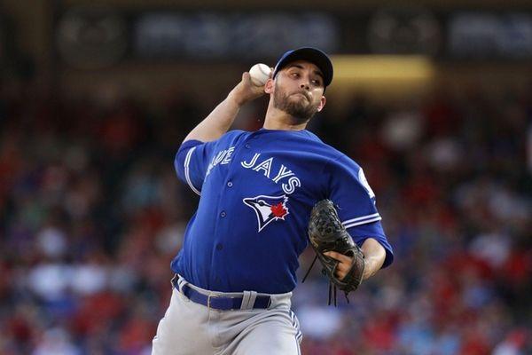 Marco Estrada of the Toronto Blue Jays throws