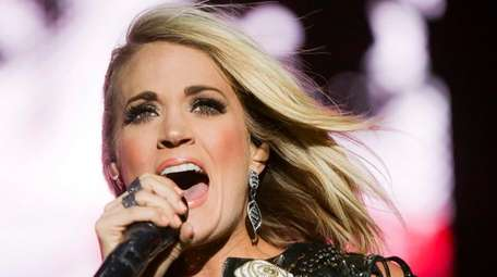 Carrie Underwood performs at the 2016 Stagecoach Festival