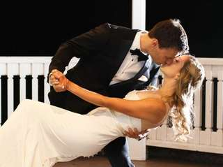 Scott Goldstein and Kate Welby were married on
