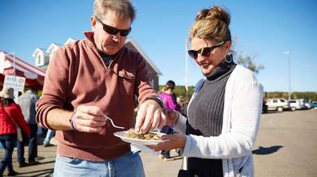 Mark and Patti Murray enjoy oysters on the