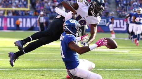 Dominique Rodgers-Cromartie of the New York Giants breaks