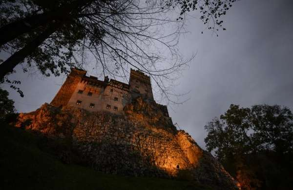 Bran Castle lies on top of cliffs in