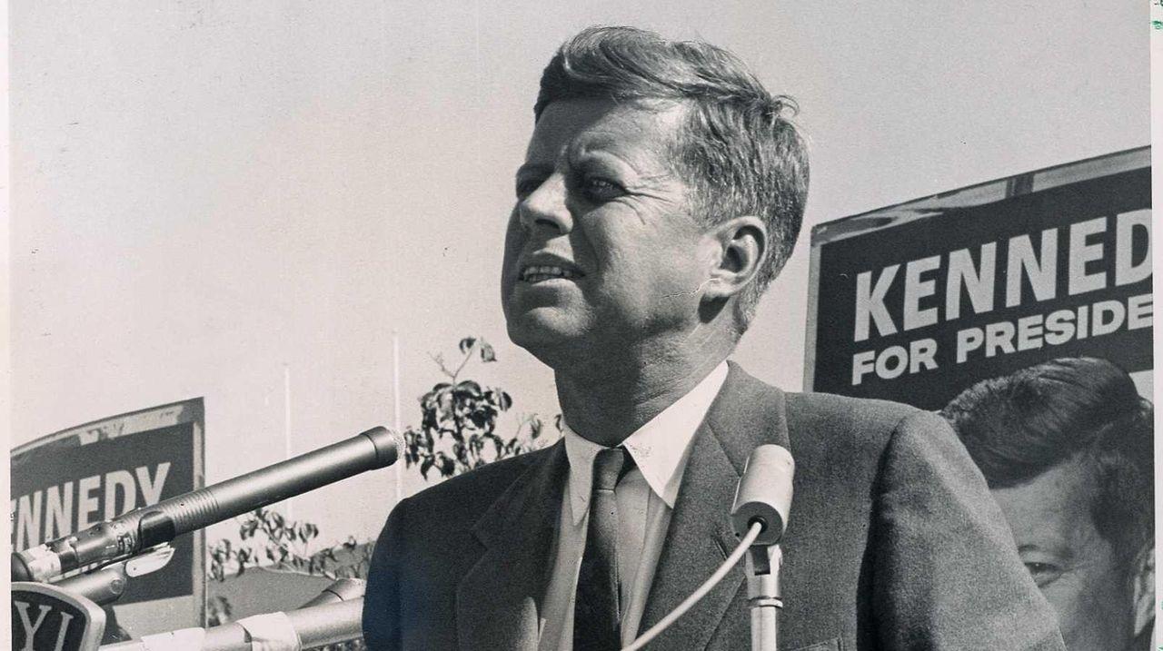 Sen. Charles Schumer, Rep. Peter King, former Gov.