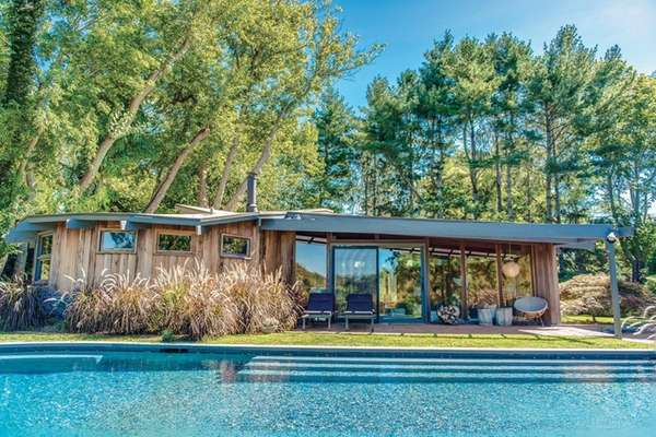 This Modern home on Shelter Island was designed