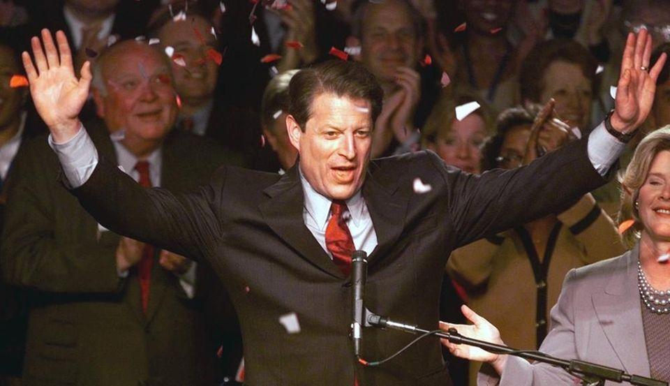 In 2000, the editorial board endorsed Al Gore,