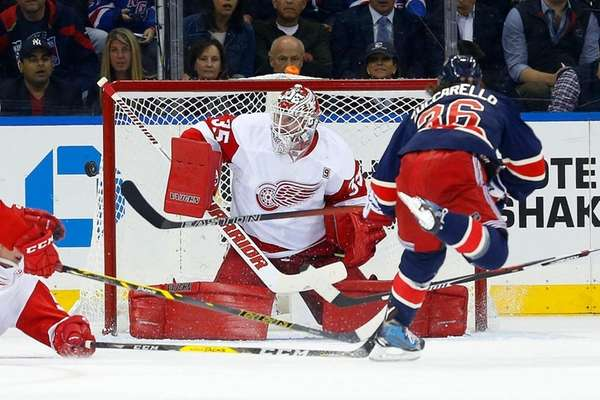 Jimmy Howard #35 of the Detroit Red Wings