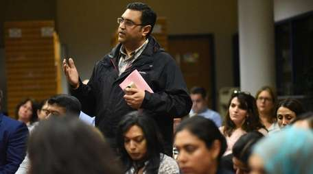 Amit Shelat, a Jericho resident, discussed the possibility