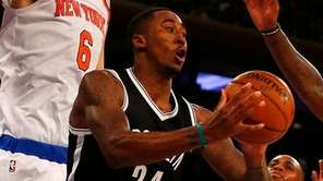 Rondae Hollis-Jefferson of the Brooklyn Nets looks to