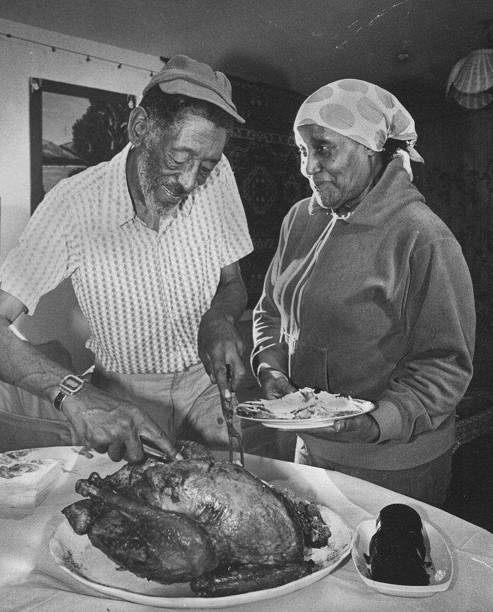 The Grant family prepares to serve their Thanksgiving
