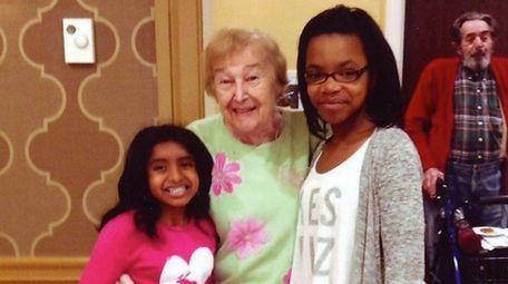 Kidsday reporters Julianna Ramai, left, and Kaitlyn Brown