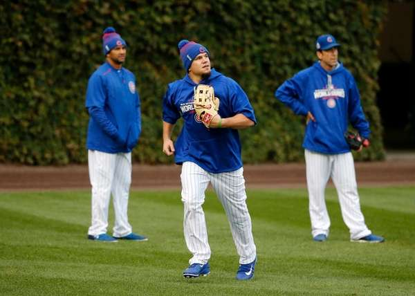 Chicago Cubs' Kyle Schwarber works out in the