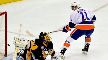 Pittsburgh Penguins goalie Marc-Andre Fleury (29) makes a