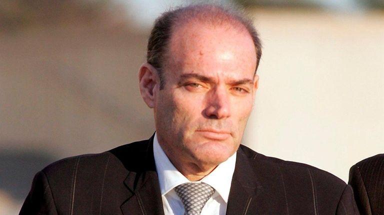 Body armor magnate David Brooks dies in prison | Newsday