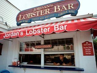 The pickup window at Jordan Lobster Farms in