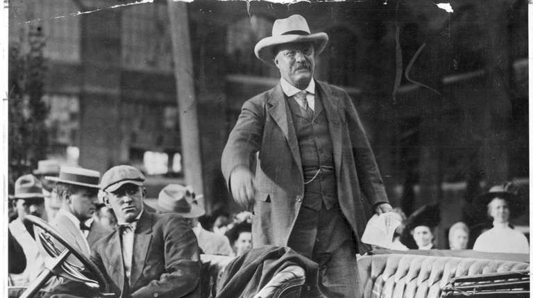 Theodore Roosevelt visits the Country Life Press Building