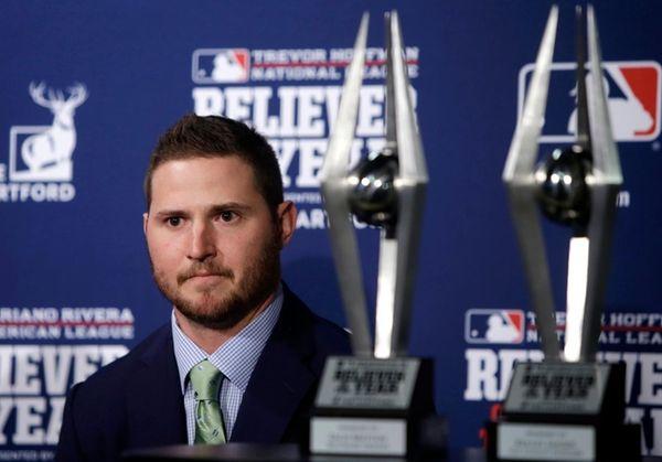 Orioles' Zach Britton receives Mariano Rivera American League