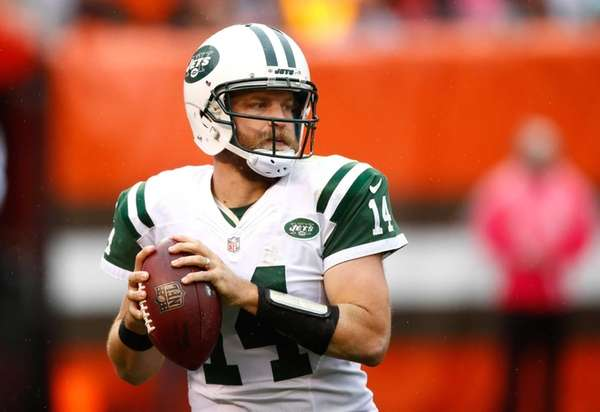 Ryan Fitzpatrick of the New York Jets looks