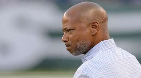 Giants GM Jerry Reese during pregame of the