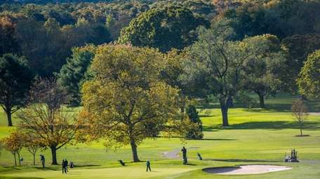 Golfers compete at the Suffolk Divisions I and