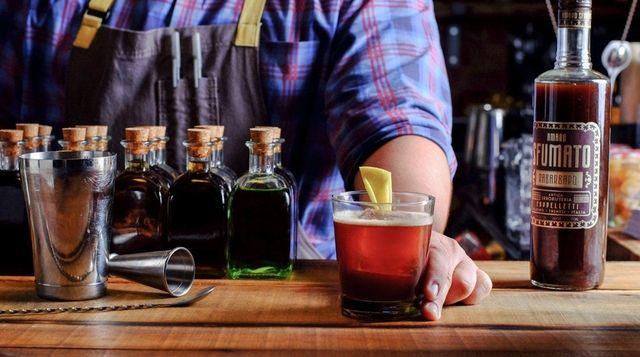 Long Island Winery Tasting Rooms Blend Vino And Atmosphere