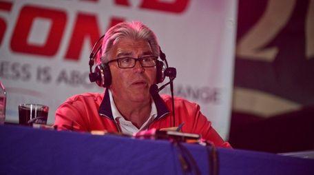 Sports radio host Mike Francesa is doing robocalls