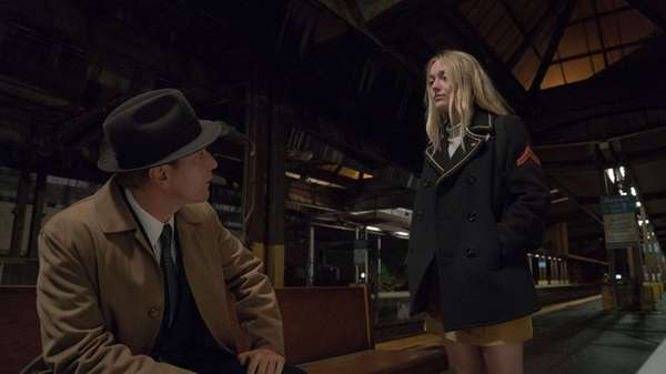 Ewan McGregor and Dakota Fanning star in
