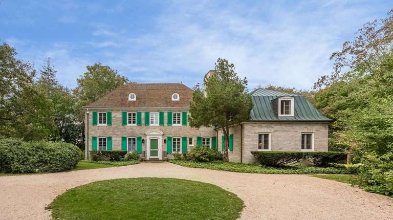 The East Hampton Colonial was built in 1928.