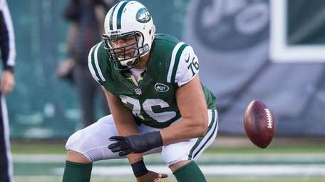 Jets center Wesley Johnson subbing for Nick Mangold