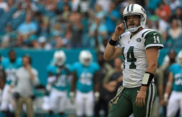 Ryan Fitzpatrick reportedly sprained MCL, as Jets QB uncertainty continues