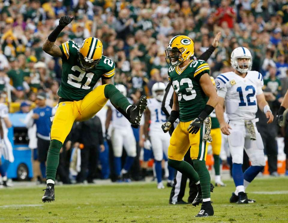 Green Bay Packers' Ha Ha Clinton-Dix celebrates after