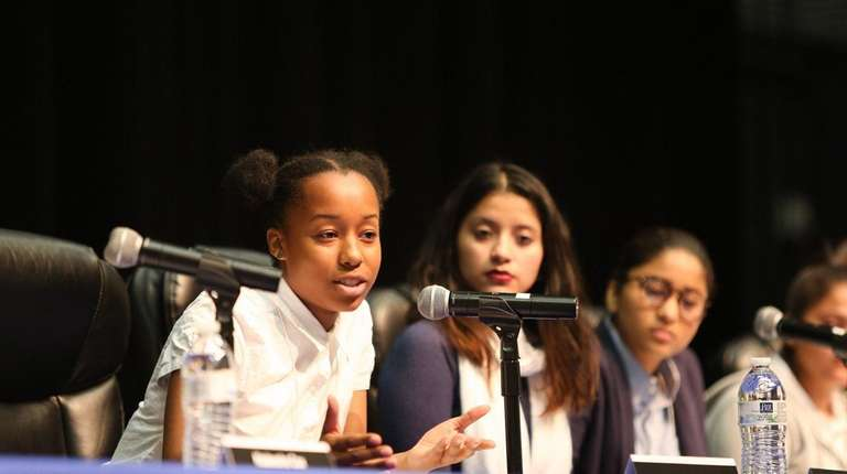 Roosevelt High School student Shauntice Youngs speaks at