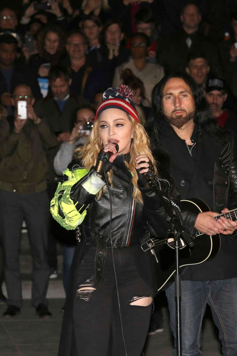 Madonna performs in support of Democratic presidential candidate