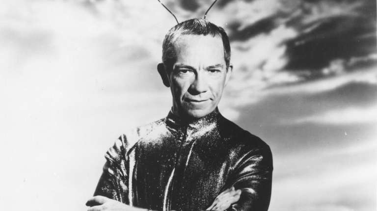 Ray Walston played Uncle Martin in