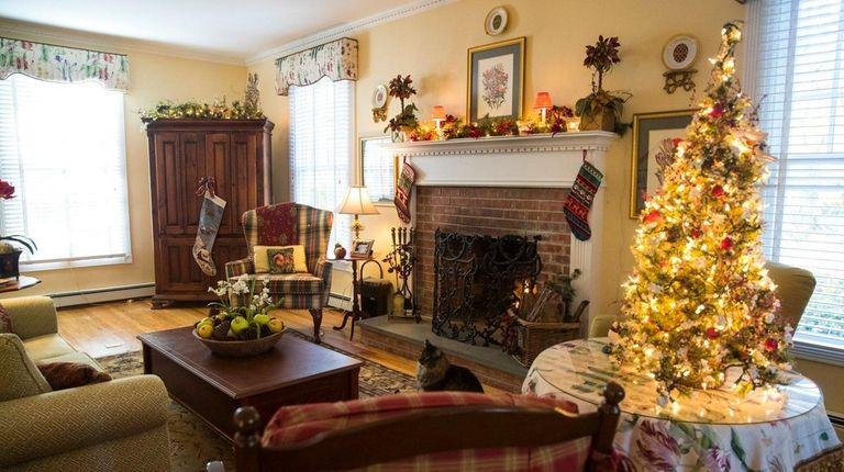 Inside the home of designer Cindy Schmidt's East