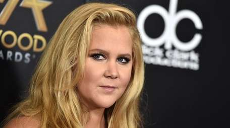 Amy Schumer arrives at the Hollywood Film Awards