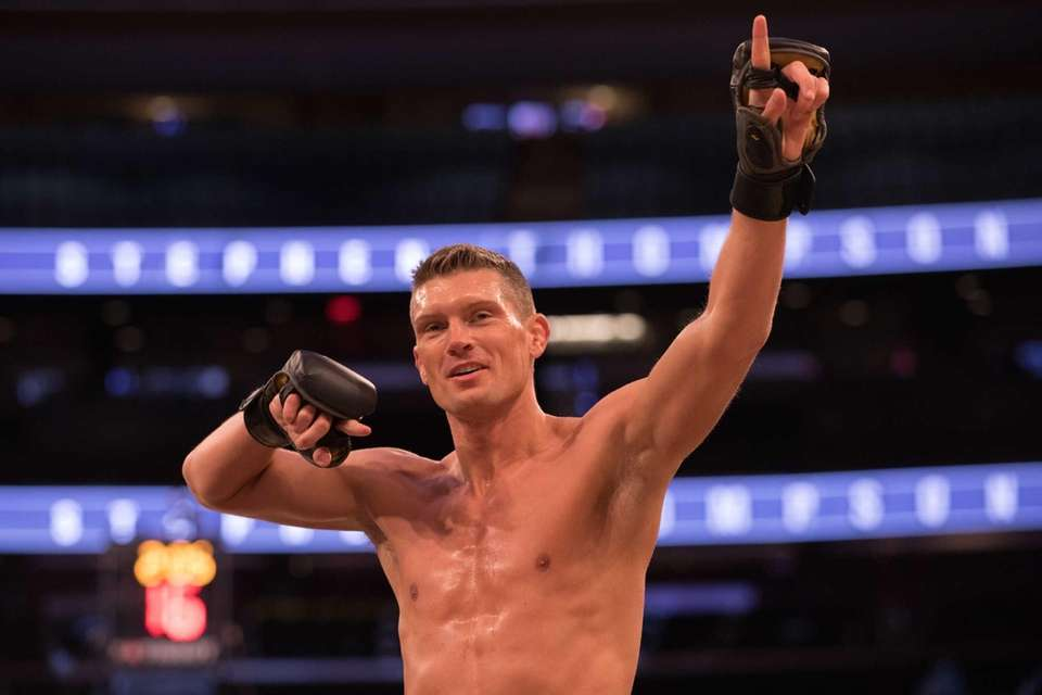 UFC welterweight Stephen Thompson looks to the crowd