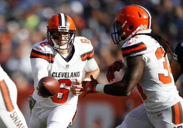 Cleveland Browns (0-9) at Baltimore Ravens (4-4)