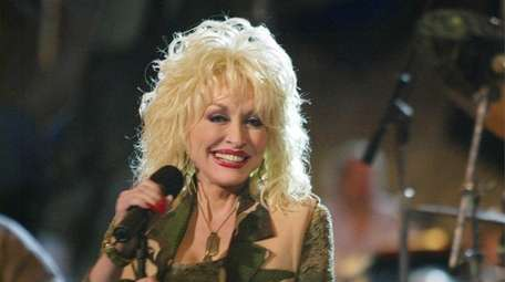 Country singer Dolly Parton rehearses for the Capitol