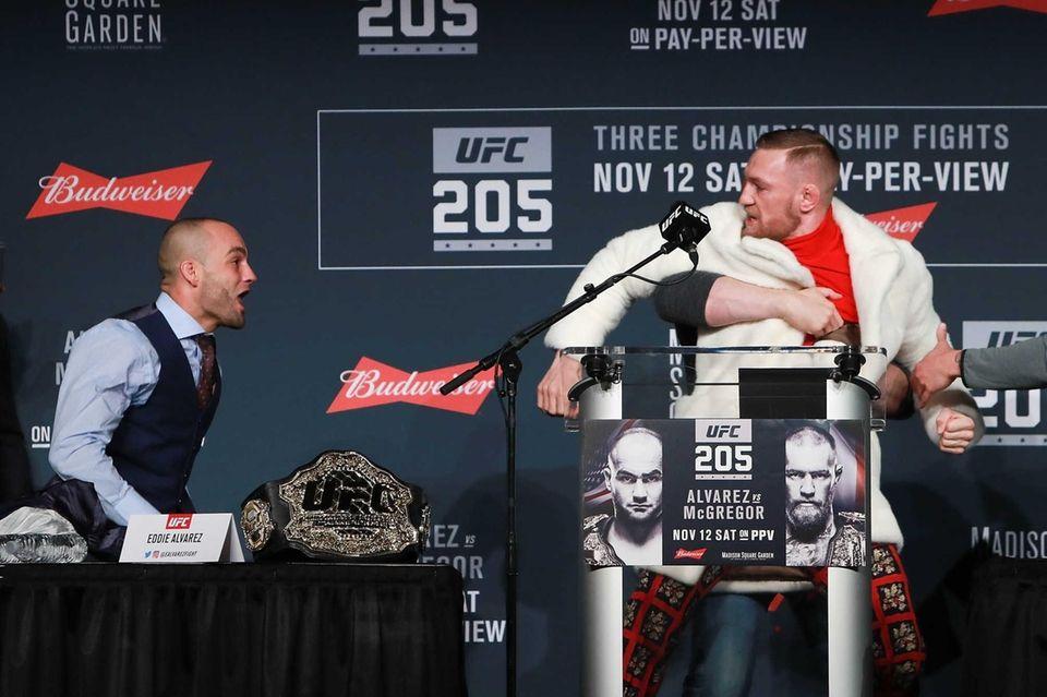 UFC president Dana White separates Conor McGregor and