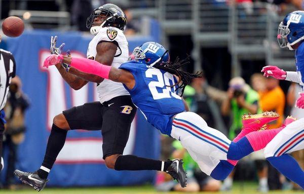 Janoris Jenkins of the New York Giants breaks