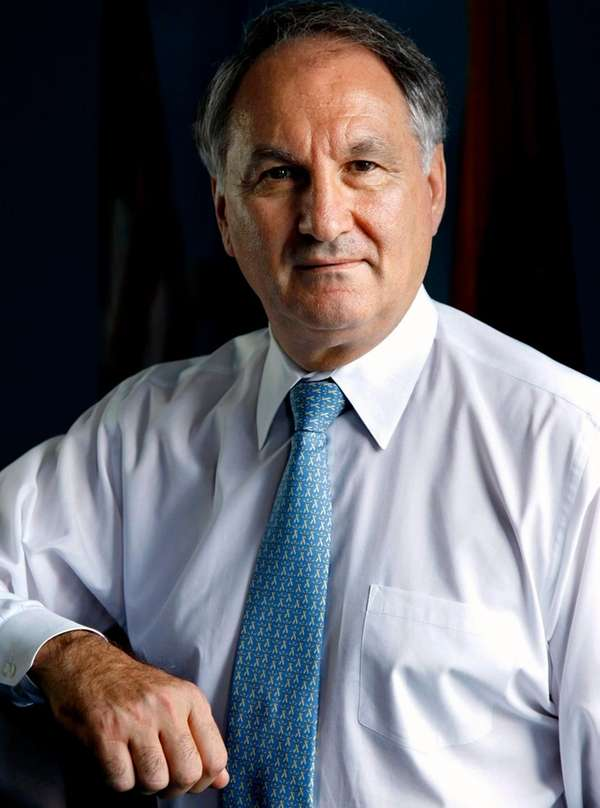 Nassau comptroller George Maragos will hold a free