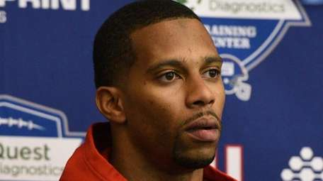 New York Giants wide receiver Victor Cruz speaks