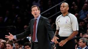 New York Knicks coach Jeff Hornacek argues a
