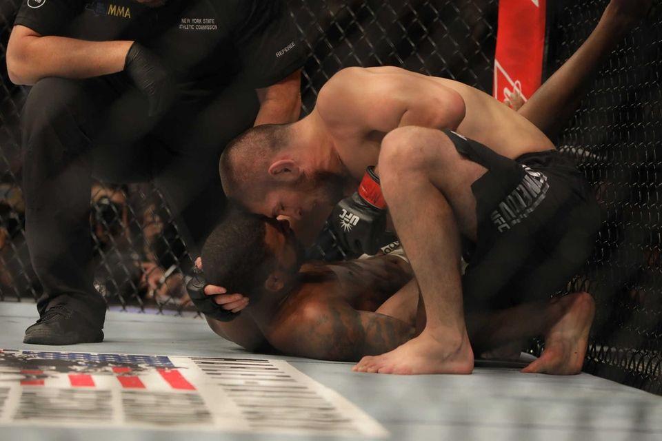 Lightweight Khabib Nurmagomedov beat Michael Johnson by submission