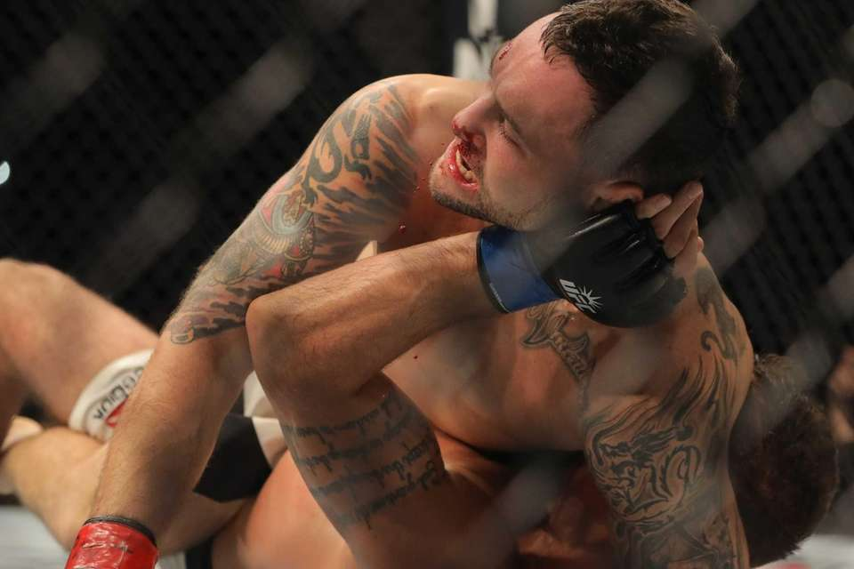 Featherweight Frankie Edgar defeated Jeremy Stephens by unanimous